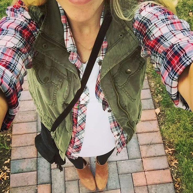 The plaid shirt + cargo vest look that I loved on #pinterest is happening today!! Love this layering weather. 🍃🍂🍁 see a couple posts back for the inspo photo 😊 // @tjmaxx vest ( found it a couple months ago but similar styles are in store now), Walmart shirt and booties (sooooo comfy wore them on a two hour walk with no pain!) - Faded Glory brand - @lizlangeofficial leggings , old @forever21 bag, @gorjana initial necklace (never comes off) #falloutfit #fallfashion #fall2015 #wearwalmart…