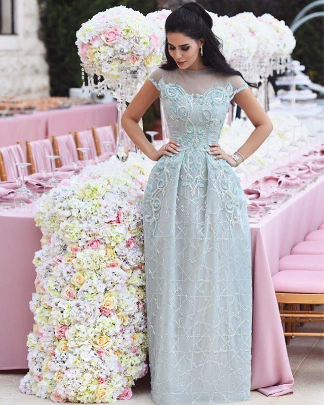 Pin for Later: La Robe de Cette Mariée Libanaise Était Si Magique Qu'elle a Eu le Droit à Son Propre Hashtag Elle S'est Changée Pour le Repas