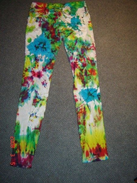 How to paint a pair of painted jeans. Tie Dye Jeans! - Step 8