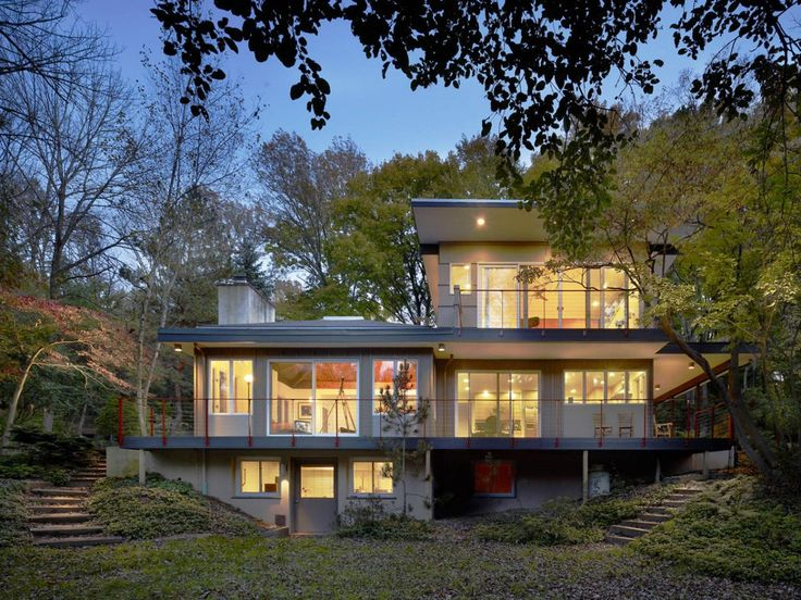 I like the way the construction tucks between the trees.  Check the rest of the internals from contemporist.com