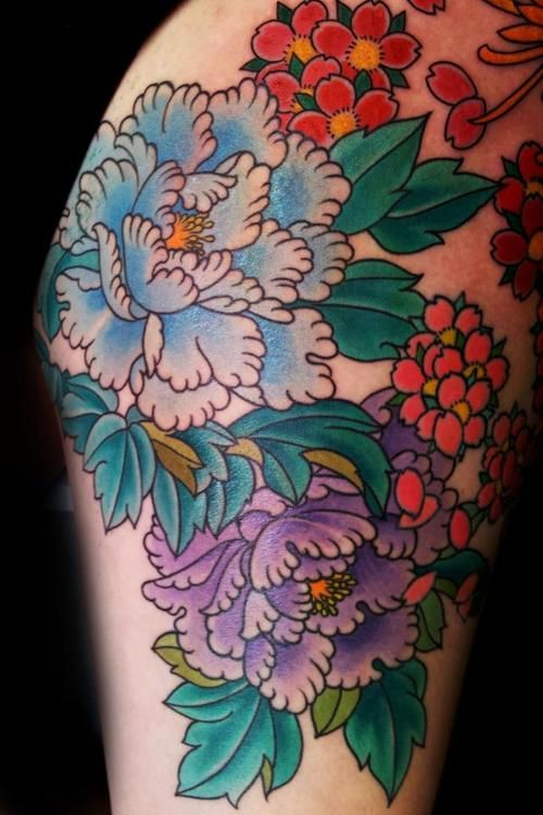 tattoo peony - Google Search Peonies! Light pink, maybe with spearmint? For Grandma and Grandpa Rider's house... why didn't I ever think of that before? Could incorporate the big Dinner Bell? Beginning of an arm piece.. I like it.