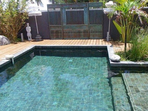 Carrelage piscine pates de verre vert et noir métallique, couleur d - l eau de ma piscine est verte et trouble