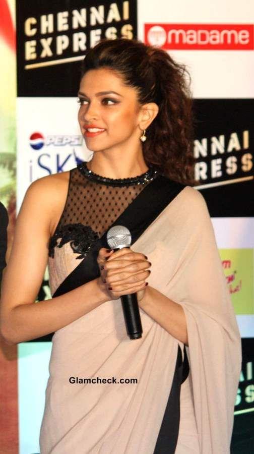 Deepika Padukone in Sari at Chennai Express Promo