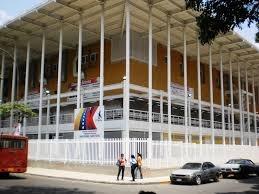 La Maternidad Comandante Eterno Hugo Chávez ubicada en El Valle, desarrolla nuestra Constitución de la República Bolivariana de Venezuela LA SALUD ES UN DERECHO SOCIAL FUNDAMENTAL QUE EL ESTADO GARANTIZARÁ DE FORMA UNIVERSAL Y GRATUITA.
