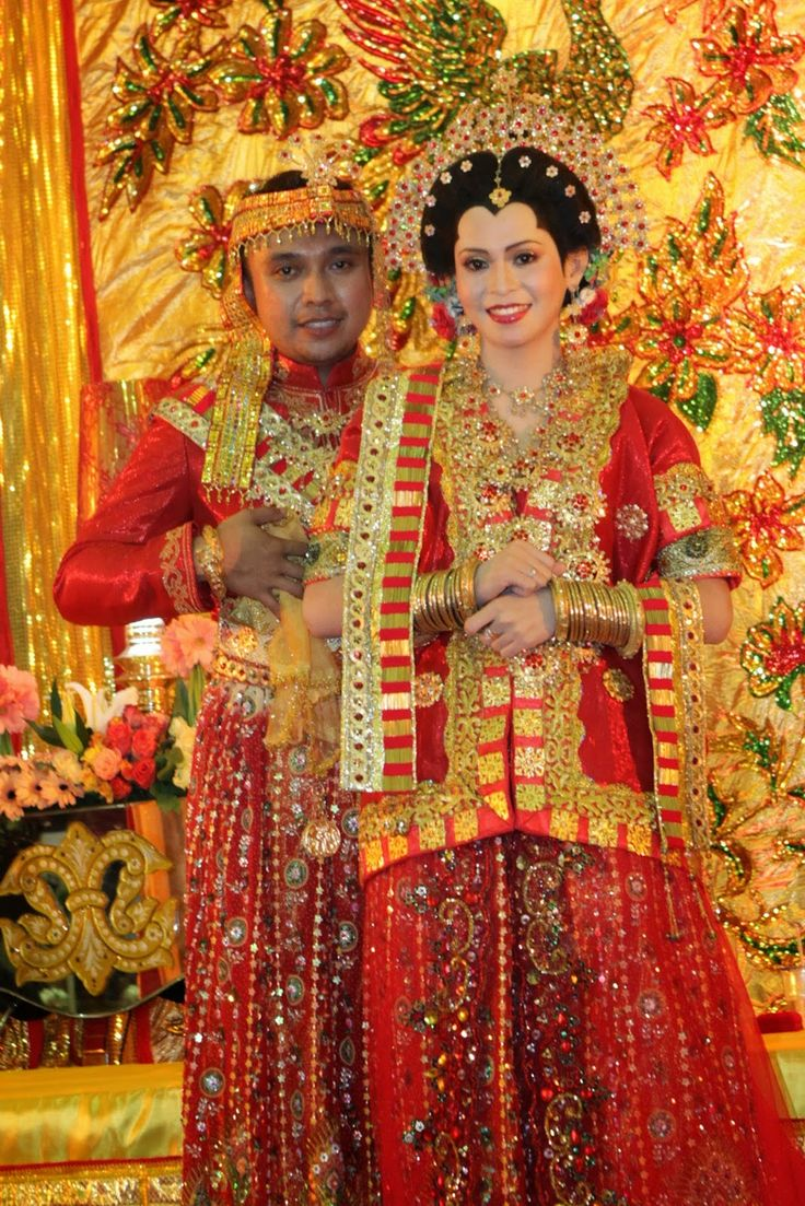 http://oasisofindonesian.blogspot.com/2015/01/bodo-clothes-is-traditional-dress-of.html