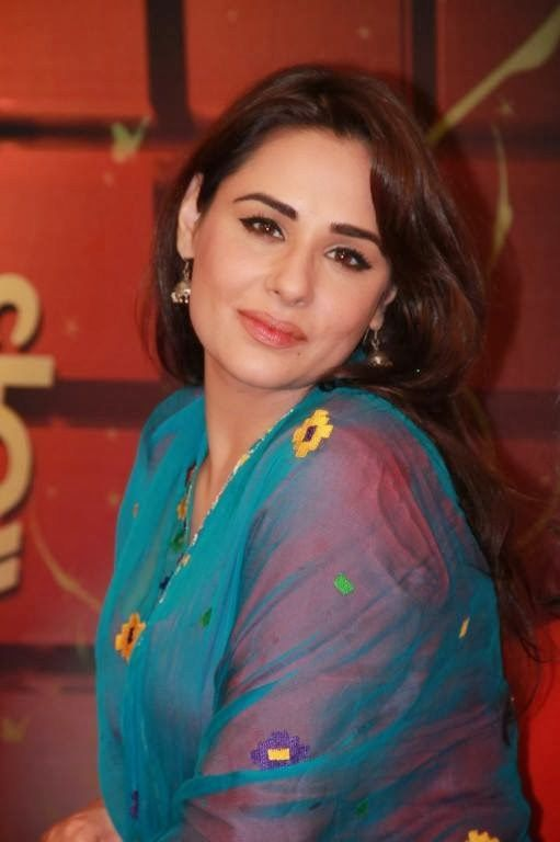 Mandy Takhar Height, Weight, Bra Size Body Measurements