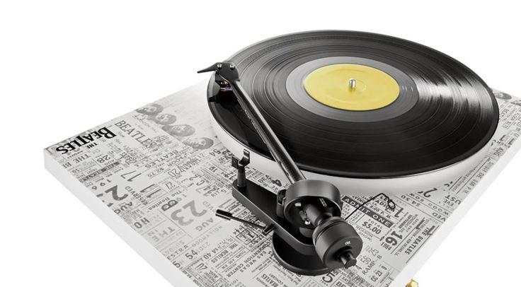 Zunächst allein dem US-amerikanischen Markt vorbehalten, nun aber steht der neue exklusive Pro-Ject Debut Carbon Esprit SB Turntable Beatles 1964 Edition auch hierzulande zur Verfügung.