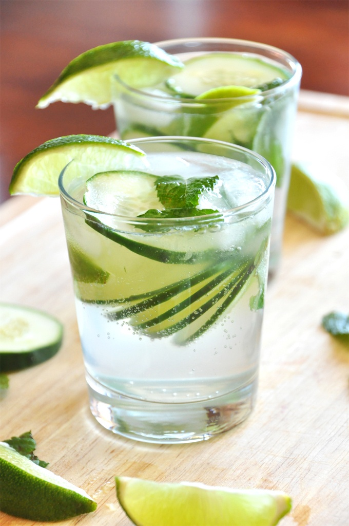 Cucumber Cooler Cocktail Recipe :: Minimalist Baker - like a mojito + a limeade only better!