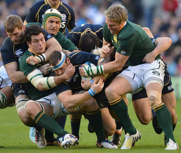 South Africa try to halt Ryan Grant #southafrica #rugby