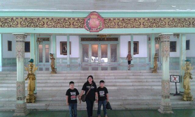 Inside pura mangkunegara