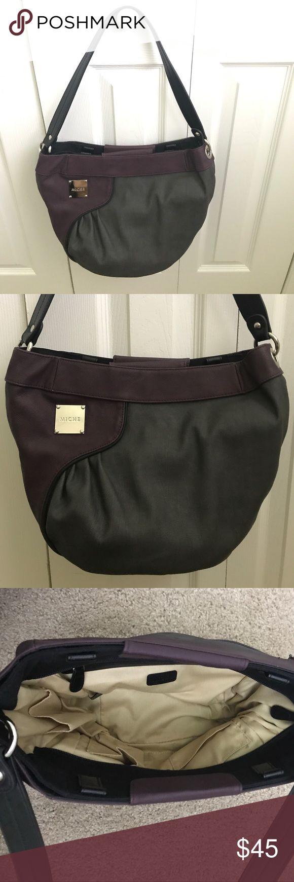 """Miche Demi purse  Miche Demi """" Aubrey"""" purse  its in awesome condition. Comes with one strap, the Miche bag and with one shell """"Aubrey"""" Miche Bags"""
