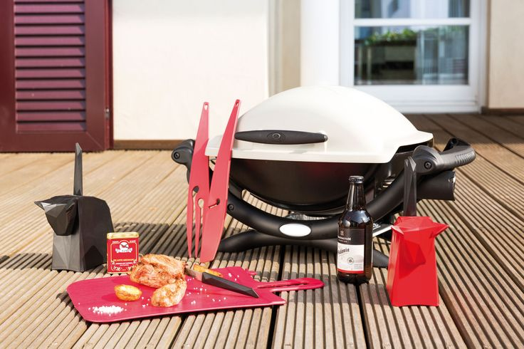 Welcome grilling season with Koziol PABLO, an eye-catching knife block complete with four specially designed knives.