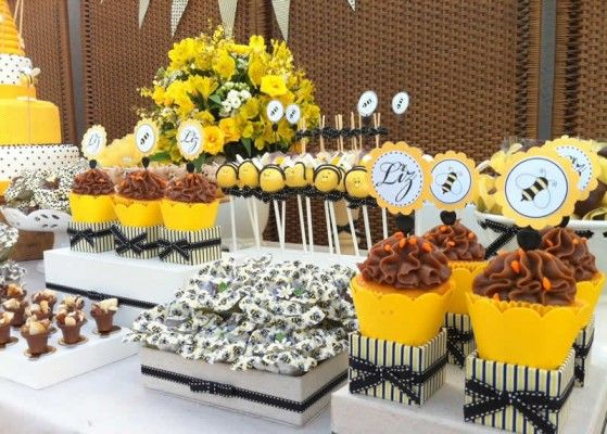 Festa Abelhinha com inspirações lindas para você fazer a sua!  (Bee Party)