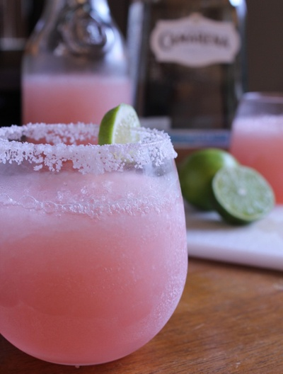 Pink grapefruit margarita - backyard party