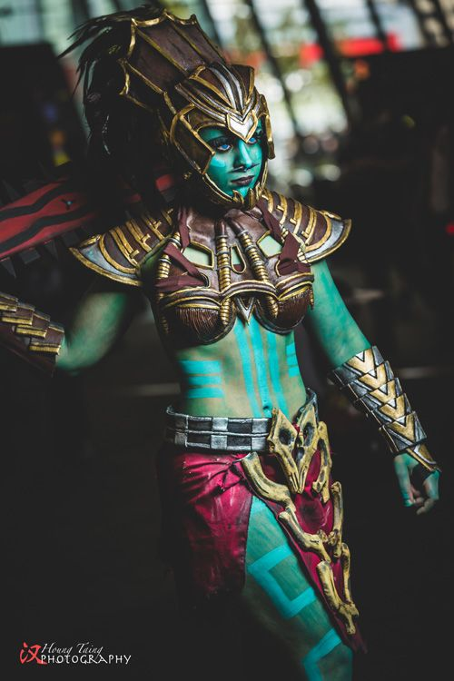 Genderbent Kotal Kahn from Mortal Kombat X Cosplay http://geekxgirls.com/article.php?ID=6021