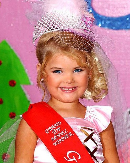 children in beauty pageants Universal royalty® beauty pageant is the number-one children's beauty pageant in the united states, trademark brand known around the world for the quality of our pageants, exquisite prizes, beautiful roses and huge trophies awarded.