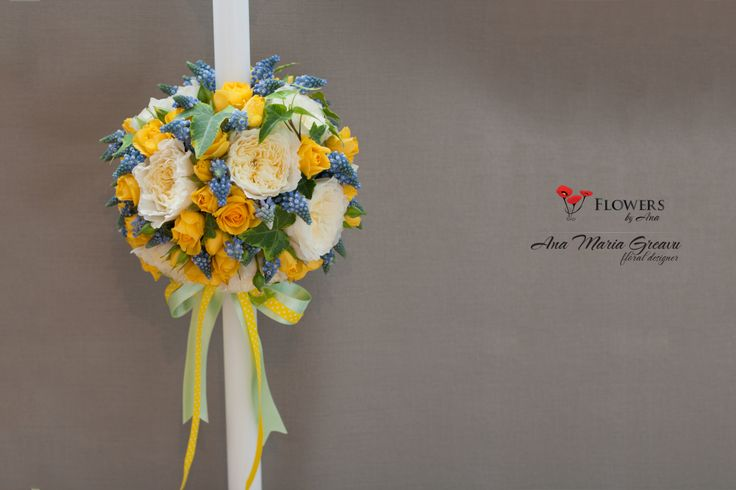 Lumanare botez, baiat. Muscari, Trandafiri David Austin patience, miniroze https://www.facebook.com/FlowersByAna