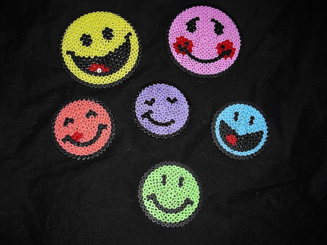 Hama beads - Smiley by Lundebaby, via Flickr          ✔