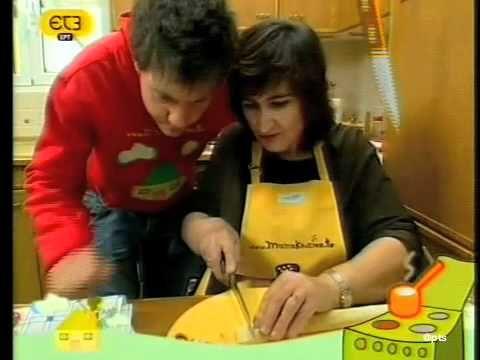 Η κουζίνα της μαμάς- ΕΡΤ3-Ποντιακό ζυμαρικό Σιρόν - YouTube