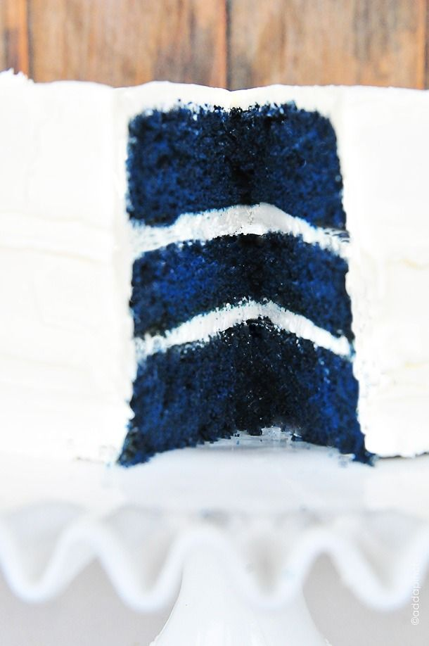 Learn how to make this bold blue velvet baby boy cake for a baby shower!