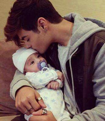 ME LO COMO :) es adorable!!!