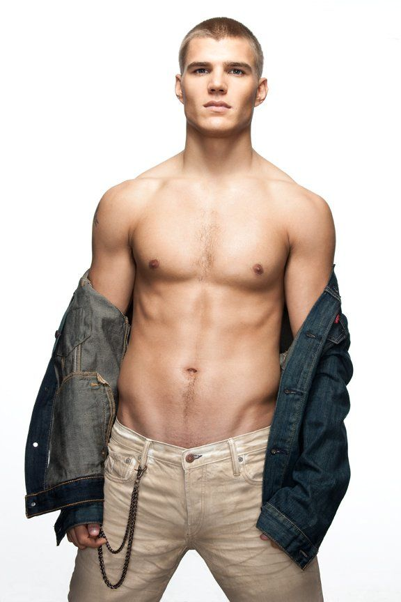 Chris Zylka. He'd be the PERFECT Jace Wayland. OMG.