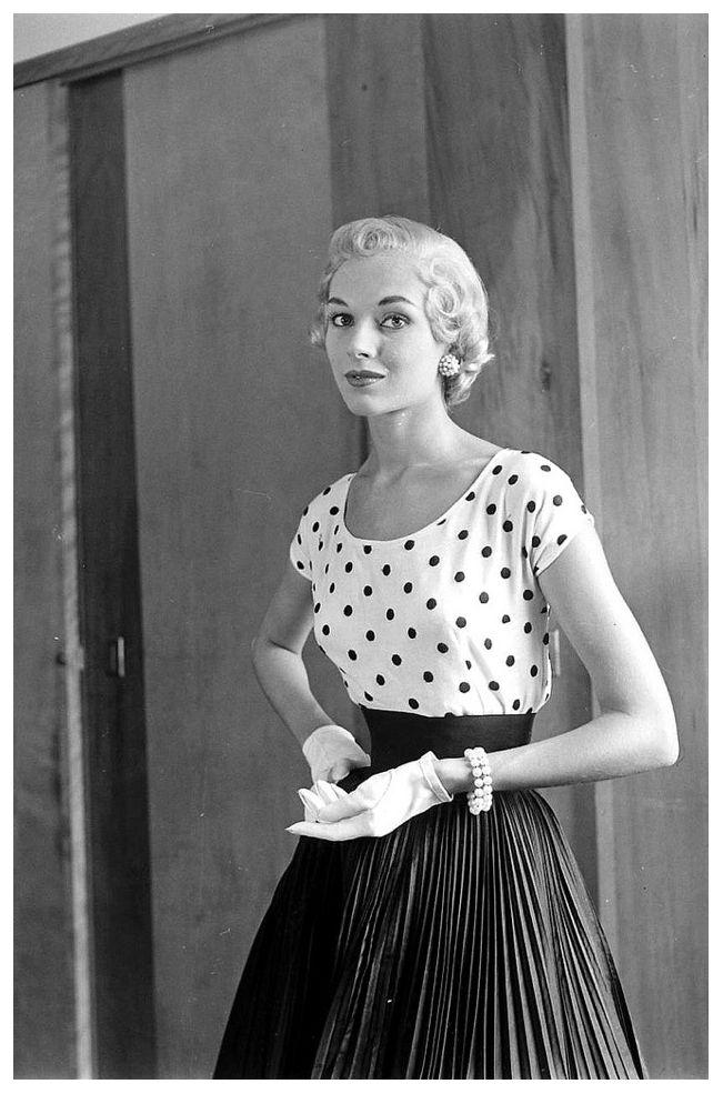 Vikki Dougan in short blond wig, photo by Nina Leen, July 1952