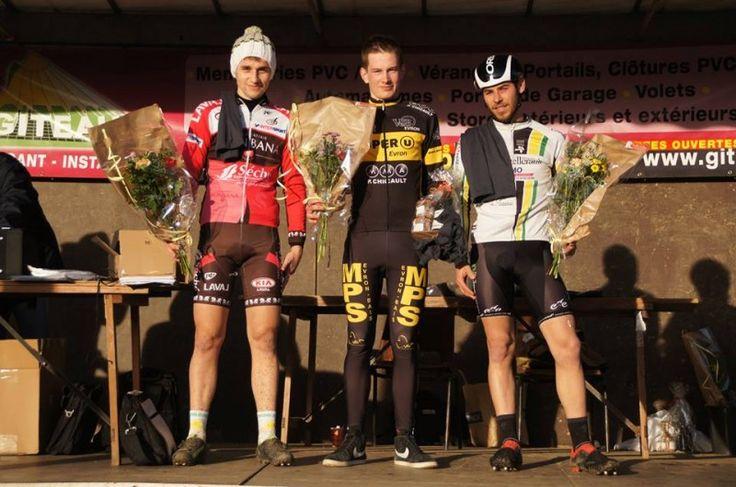 Cyclo-cross de Cossé-en-Champagne : Classements : Mathieu Taburet (CA Evron) a remporté ce dimanche le 1er cyclo-cross de Cossé-en-Champagne (Mayenne), organisé par l'AC ... Cossé-en-Champagne (53) - cyclo-cross - dimanche 22 janvier - victoire de Mathieu...