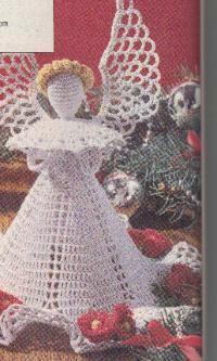 Crocheted Angel Center Piece ~ free pattern  http://momsloveofcrochet.com/angelcenterpiece.html