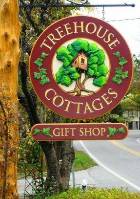 Treehouse cottages in Eureka Springs, AR. Want a quiet, romantic honeymoon together? Try this.