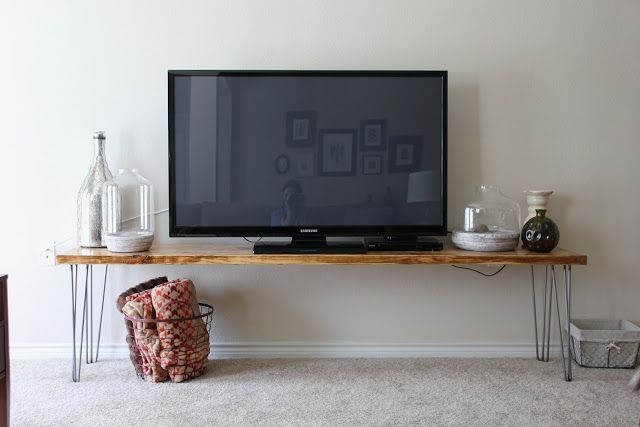 Simple and rustic tv stand DIY
