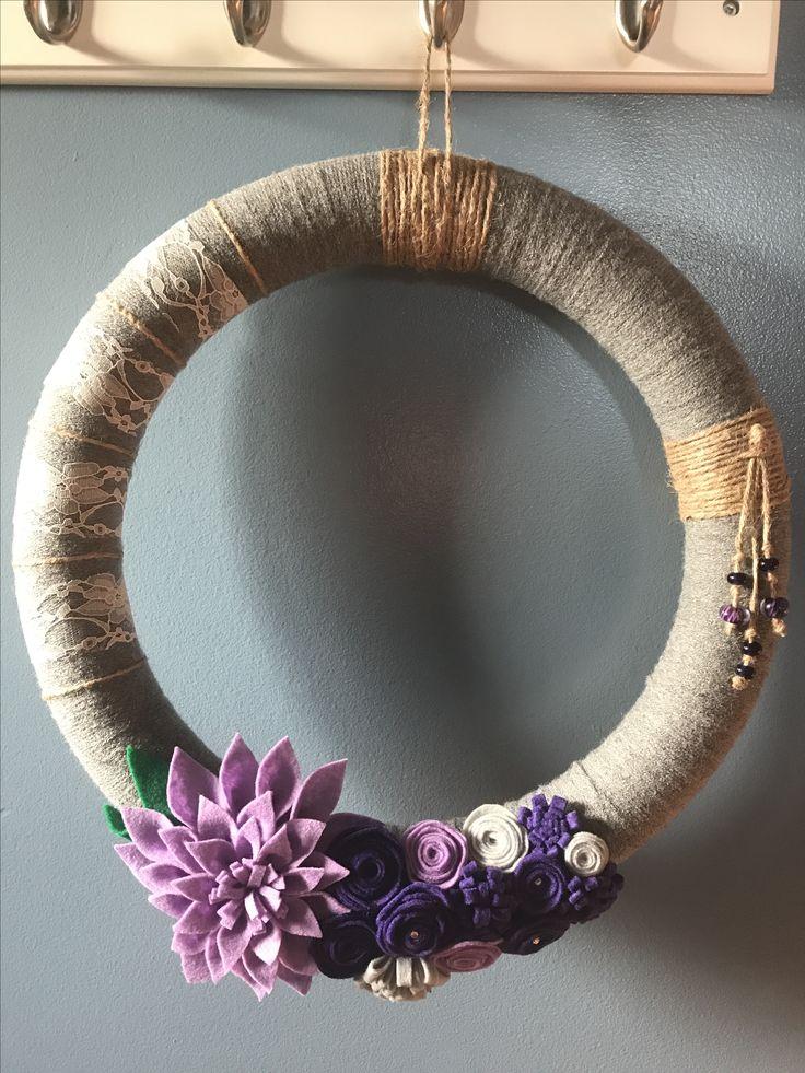 Yarn wreath, felt flowers, rustic, home decorating