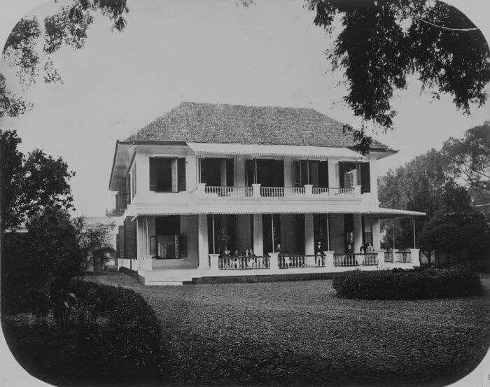 Hotel at veteran street, 1840-1890. ( now for Bina Graha area )
