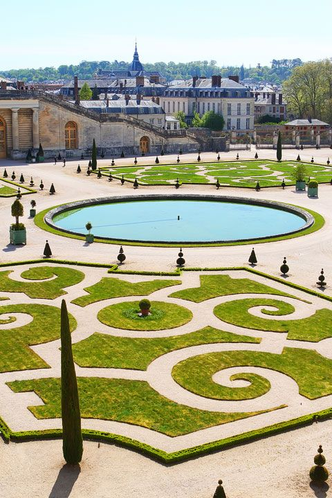 Garden of Versailles. Tips for planning a Paris Vacation. #SummerInspiration #sponsored