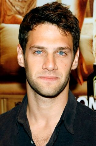 Justin Bartha. Was my favorite in National Treasure. Remained my favorite in The Hangover. YUP.