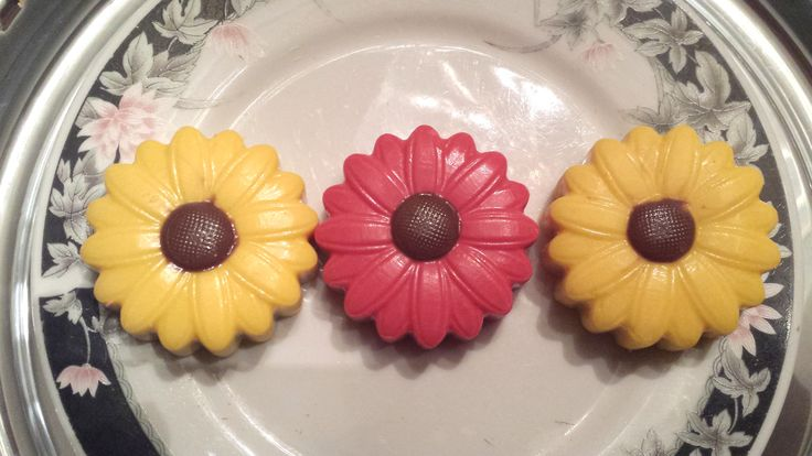 Chocolate covered Oreo Flowers