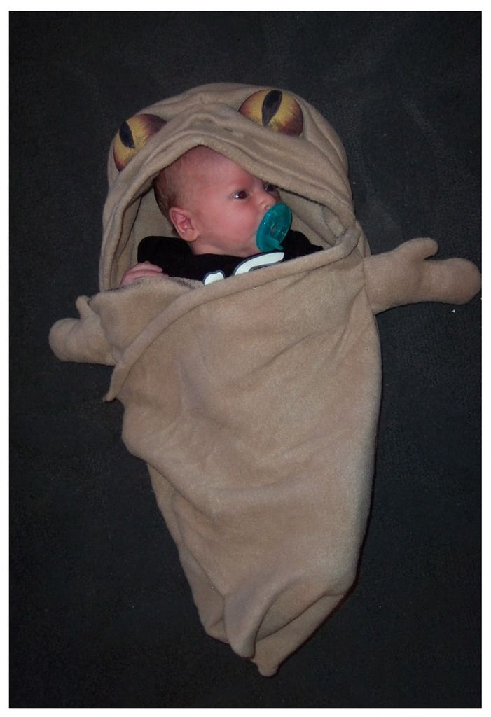 DIY Star Wars costumes for kids: Baby Jabba the Hutt costume from Creatively Lori