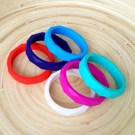 Darcie Diamond Silicone Bangle. Mummy Couture silicon jewellery makes the perfect new mum gift or hard to buy for second time mum gift. Ideal for baby showers, christening presents or just a fabulous way to add some colour to any outfit.  Our silicone jewellery is made from 100% food grade silicone and is gentle on tiny faces and gums. Free from BPA and other nasties, complies with Australian safety standards.