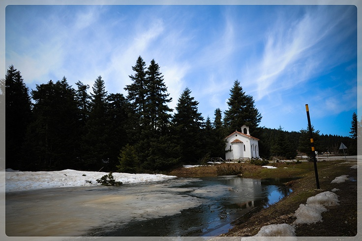 Discovering the villages at the south part of the Pindos mountain chain on a spring day!