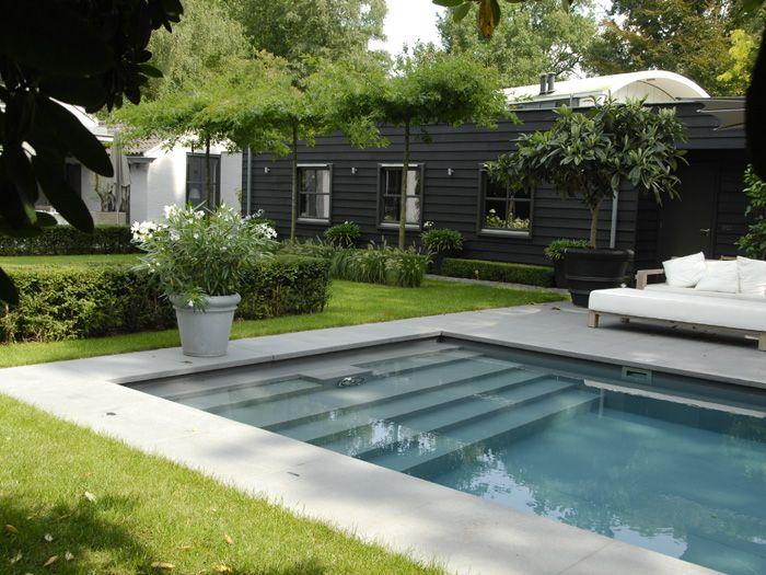 Anne Laansma - ontwerpbureau shallow steps into the pool