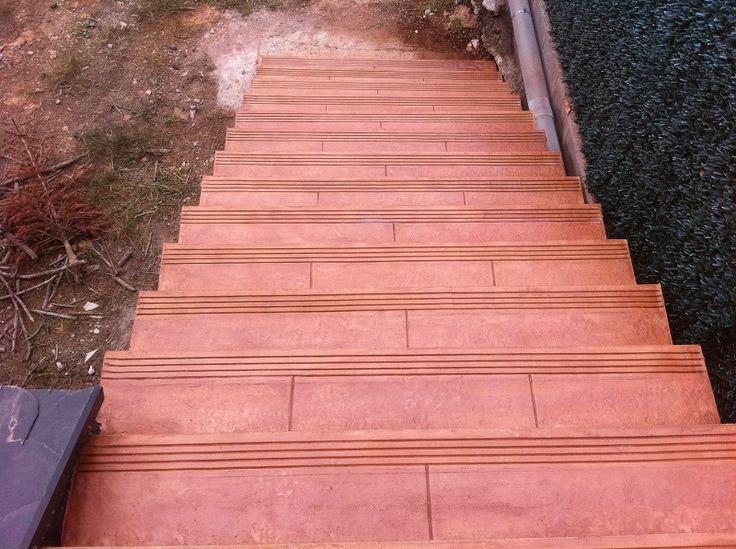 Revestimiento vertical (fachadas) y escaleras 25