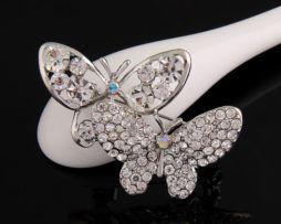 Elegantná brošňa v tvare dvoch krásnych motýľov strieborná