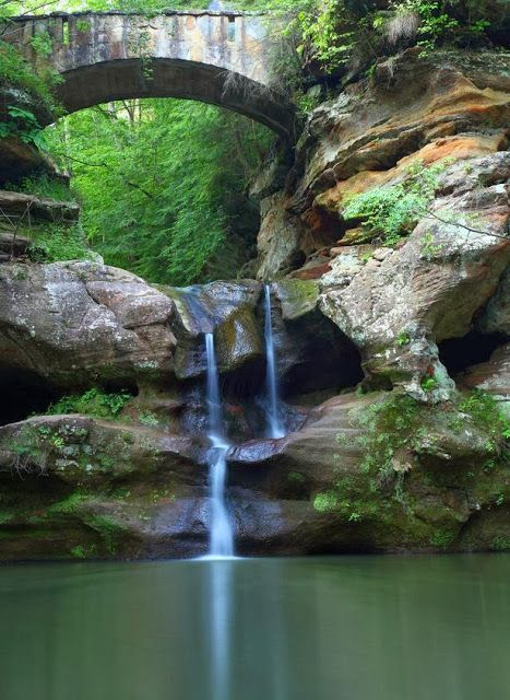 Upper Waterfalls old Mans Cave Bridge