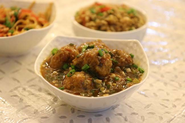 Vegetable Manchurian Balls in Hot and Spicy Garlic Sauce