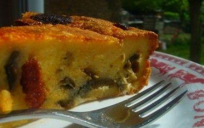 Torta salata di melanzane e salame piccante - Il clafoutis di melanzane e salame piccate è una originale torta salata perfetta per i picnic o il pranzo sulla spiaggia, si tratta di una versioen salata di un dolce tradizionale francese