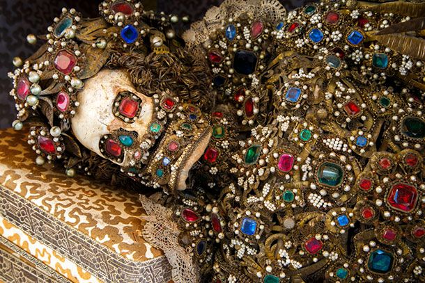 10 Luxurious Skeletons Unearthed From Catacombs In Rome