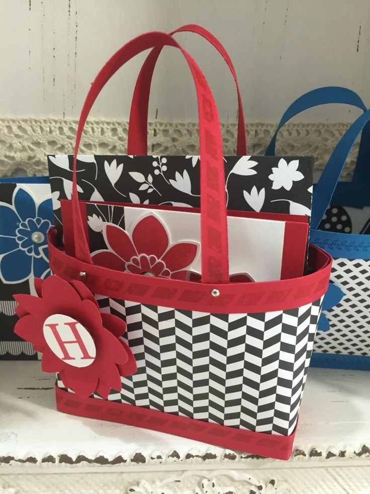 Bag in a box tutorial   Tutorials   Gift bags, Paper purse ...