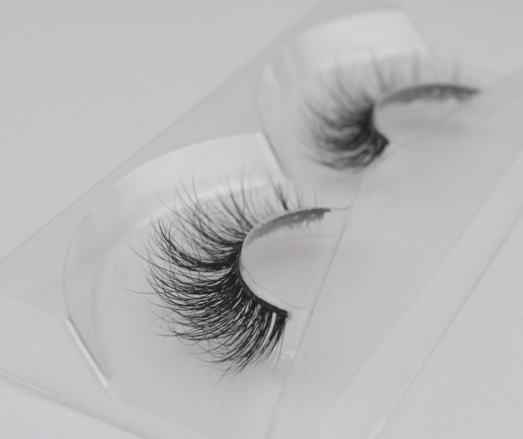 3D mink eyelash extensions set 100% handmade most natural looking by Claudiahair…