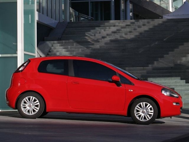 McCarthy Call-A-Car: New FIAT Punto 1.4 Pop 5-dr
