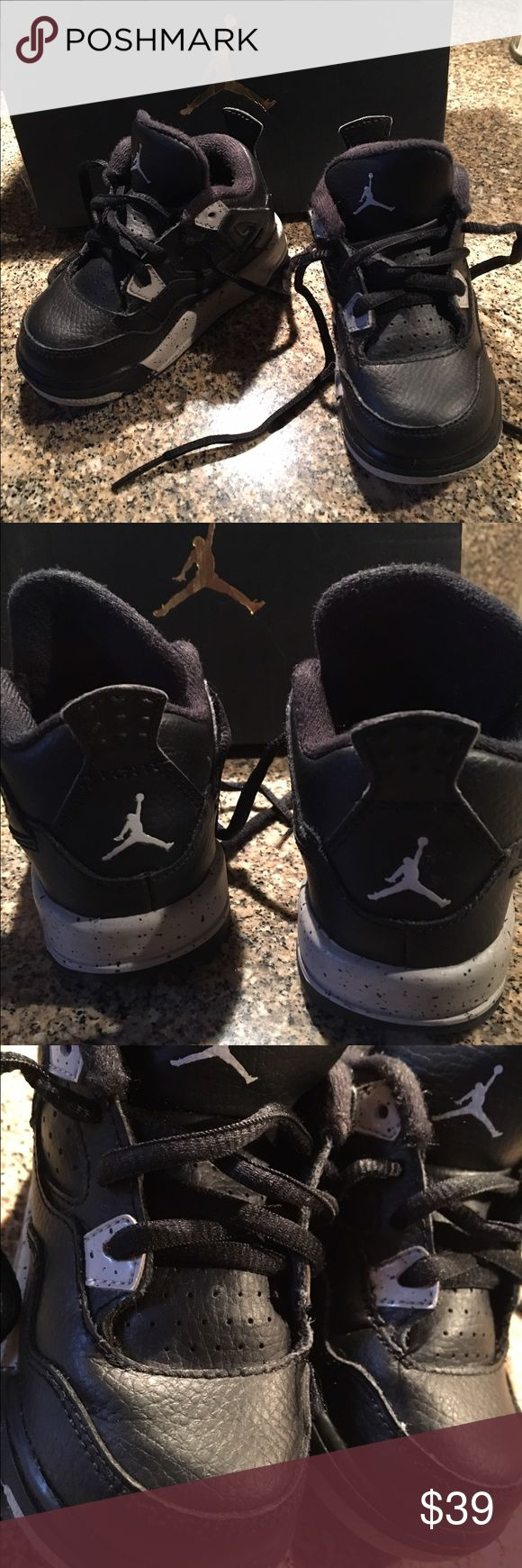 Jordan 4 Oreos Toddler Clean  No box Unisex Great condition Nike Shoes Sneakers